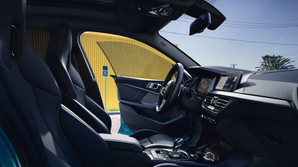 BMW 2er Gran Coupé Interieur aus Sicht des Beifahrers